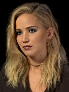 Jennifer Lawrence Hair, Star Wars, Minimalist Jewelry, Portrait Art, Hollywood Actresses, Ethereal, Cave, Blonde Hair, Cinema