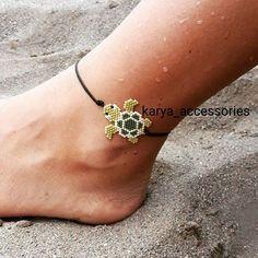 135 Likes, 5 Kommentare – ( auf … – Perlen… - Top-Trends Beaded Anklets, Beaded Rings, Bead Loom Bracelets, Ankle Bracelets, Bead Jewellery, Seed Bead Jewelry, Beaded Jewelry Patterns, Bracelet Patterns, Motifs Perler