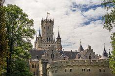 Schloss Marienburg. Gut erhaltene Burg. 12 Cultural Trips, Culture Travel, Barcelona Cathedral, Castles, Past, Viajes