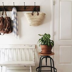 Entryway | Seating +