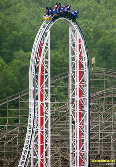Hypersonic (defunct), Kings Dominion, VA --I miss this coaster. Scary Roller Coasters, Roller Coaster Ride, Travel Around The World, Around The Worlds, Riders On The Storm, Amusement Park Rides, Coaster Design, Beautiful Places To Visit, Abandoned Places