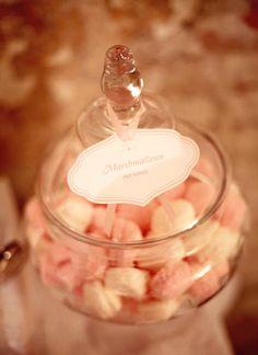 Bonboniere als Dekoelement | Foto: Zuckermonarchie