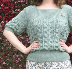 It was not possible to get the correct gauge with this yarn choice, but I was stubborn and decided to go ahead anyway. The finished sweater does not have negative ease as is suggested by the patt.
