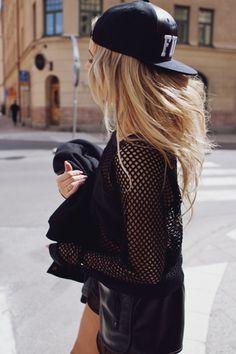 Snapback black street style