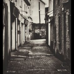Narrow lane by Duobla_m Display Advertising, Print Advertising, Black And White Building, Images Of Ireland, Photography Store, My Photos, Stock Photos, Retail Merchandising