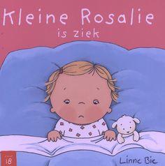 Kleine Rosalie is een beetje ziek en ligt in bed. Nadat de dokter op bezoek geweest is, maken druppels en siroop kleine Rosalie weer snel beter. Gelukkig maar, want nu kan zij voor de zieke Pop en Schaap zorgen. | Plaats in de bib: BIE 56 GEEL 1+