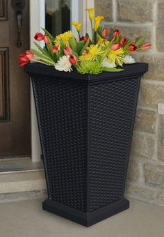 Decorate all the way around your house with these gorgeous outdoor planters.