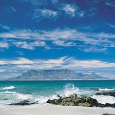 Table Mountain, South Africa--been there, done that, would do it again and again and again. Visit South Africa, Cape Town South Africa, The Places Youll Go, Places To See, Table Mountain Cape Town, Salalah, Voyager Loin, Out Of Africa, Africa Travel