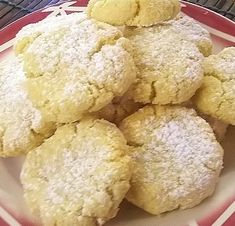 Biscuits semoule fine et amande – Aux voyages des papilles Biscuits Russes, Brownie Cupcakes, Coq, Brownies, Muffins, School, Baby, Dessert Recipes, Muffin