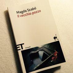 Nella narrativa di #MagdaSzabó non fa alcuna differenza se l'autrice descriva una vicenda, un personaggio o un oggetto, è la sua personalissima estetica dell'umanità a dominare il tutto.
