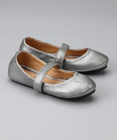 want! Adorable toddler girl shoes.
