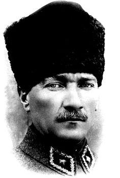 Mustafa Kemal Atatürk, the founder of Turkey – En Güncel Araba Resimleri Turkish Military, Turkish Army, Republic Of Turkey, The Republic, Turkish War Of Independence, The Turk, Famous Black, Fathers Love, Great Leaders