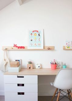 30 Best Cheap IKEA Kids Playroom Ideas for 2019 28 kids room ideas room ideas organizing room ideas art kids room room ideas shared Ikea Kids Playroom, Playroom Ideas, Ikea Kids Desk, Ikea Stuva, Casa Kids, Kids Workspace, Childrens Desk, Kids Office, Kid Desk
