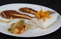 Bacalao con salsa vizcaina Shrimp, Bar, Food, Cod, Restaurants, Dishes, Eten, Meals, Diet