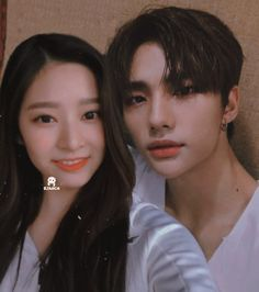 Minju Izone x Hyunjine Stray Kids Couple Edit Ulzzang Kids, Ulzzang Couple, Kids Girls, Teenagers, Kpop Couples, Jeno Nct, Na Jaemin, Aesthetic Clothes, Idol