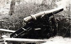 Fss-Art-Batterie by drakegoodman, via Flickr German howitzer.WW I