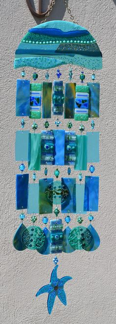 Kirks Glass Art Fused Stained Glass Wind Chime por kirksglassart Source by Fused Glass Art, Stained Glass Art, Stained Glass Windows, Mosaic Glass, Glass Wind Chimes, Glass Garden, Mobiles, Suncatchers, Yard Art