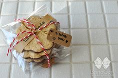 cookie packaging with baker twine