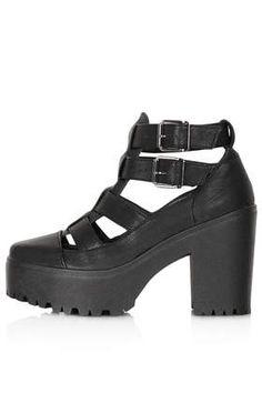ARCADE Cut Out Chunky Boots #cangrejera #boots #paravesitdo #parashort #parairdefiesta