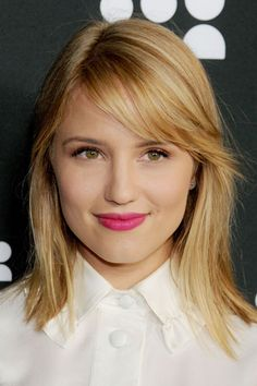 Pin for Later: The Clavicut — the Best Celebrity Midlength Hairstyles Dianna Agron Dianna's been growing out her Glee-related messy bob for a while, and now she has the perfect in-between clavicut. We love the sideswept fringe. Mid Length Hair, Shoulder Length Hair, Glee, Clavicut, Medium Hair Styles, Curly Hair Styles, Growing Out Bangs, Fall Hair Cuts, Fall Hair Trends