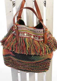 Hippie crochet bag Indie   Have got to figure this one out!!!  :)