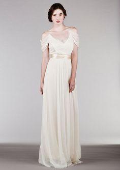 Trendy New Looks for Millennial Brides | Loren's World Ethereal Wedding Dress, Outdoor Wedding Dress, Pretty Wedding Dresses, Alternative Wedding Dresses, Wedding Dress Chiffon, 2015 Wedding Dresses, Bridal Dresses, Wedding Gowns, Bridesmaid Dresses