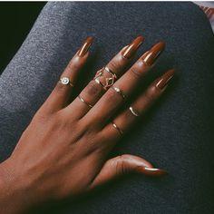 nails on brown skin gel & nails on brown skin ; nails on brown skin black women ; nails on brown skin acrylic ; nails on brown skin gel ; nails on brown skin coffin ; nails on brown skin acrylic summer Dark Skin Nail Polish, Dark Skin Nail Color, Natural Color Nails, Colors For Dark Skin, Dark Nails, Brown Nails, Nude Nails, Coffin Nails, Minimalist Nails