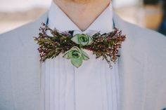 Fresh Flower Bow Tie – The Ultimate Groom Accessory
