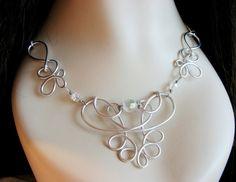 Eosheal Ornate Wire Necklace por RefreshingDesigns en Etsy, $26.00