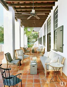 This Lakefront Louisiana Home Channels Cape Dutch Style - Architectural Digest Indoor Outdoor Living, Outdoor Rooms, Outdoor Decor, Outdoor Patios, Outdoor Kitchens, Porch And Terrace, Cape Dutch, Louisiana Homes, Dutch House