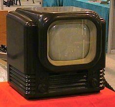 The 1948 Bush Model bakalite TV. The 1955 Ekco TMB 272 portable TV. Television Set, Vintage Television, Radios, Tvs, Vintage Tv, Vintage Items, Poste Radio, Portable Tv, Vintage Appliances