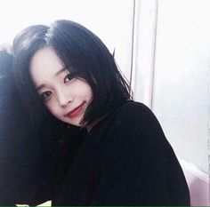 Find images and videos about girl, cute and pretty on We Heart It - the app to get lost in what you love. Ulzzang Korean Girl, Cute Korean Girl, Asian Girl, Hwa Min, Korean Short Hair, Korean Beauty Girls, Uzzlang Girl, Pink Eyes, Short Girls