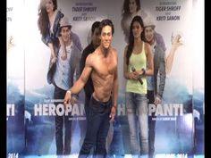 Tiger Shroff's does AMAZING MOONWALK and cool dance moves.