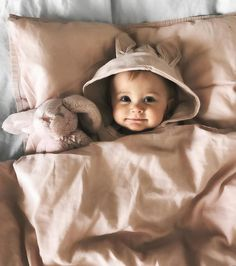 Baby clothes should be selected according to what? How to wash baby clothes? What should be considered when choosing baby clothes in shopping? Baby clothes should be selected according to … So Cute Baby, Lil Baby, Baby Kind, Little Babies, Baby Love, Cute Kids, Little Ones, Cute Babies, Babies Pics