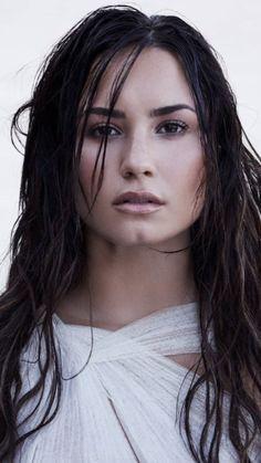 Demi Lovato One of my favorite shots. Demi Lovato Workout, Selena Gomez, Demi Love, Demi Lovato Pictures, Female Singers, Girl Crushes, Role Models, Beauty Women, Imagine Dragons