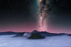 Mount Bromo Milky Way Tour or Mount Bromo Astrophotography tour or Bromo Stargazing Tour by night camping hunting starry sky galaxy with best service Milky Way Photography, Photography Tours, Great Pictures, Cool Photos, Stargazing, Night Time, Places To See, Tourism, Beautiful Places