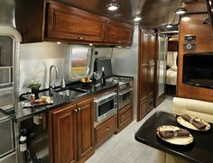 Learn more about the decor and interiors of the Classic Travel Trailer, the iconic of the American highway from Airstream.