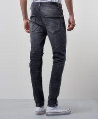 stretch jeans töjer sig