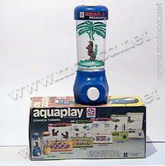 Aquaplay Macaquinho, anos 80 (Estrela). O Aquaplay é um dos brinquedos mais recordados entre os marmanjos, mesmo sendo bastante monótono. Em tempos que nem se sonhava com um Gameboy, a criançada levava o brinquedo na bolsa para brincar em qualquer lugar. Outros modelos: Argolinhas, Aquário, Golfinho, Basquete, Futebol, Pescaria e Estrelinhas.