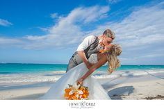 Beautiful wedding at Grand Palladium Punta Cana / Hermosa boda en Grand Palladium Punta Cana / Photo by http://juniorcruz.pixieset.com/juniorcruzweddingphotographer/