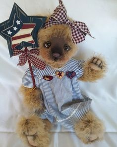 "Long Long Ago Collectibles by Teddy Bear Artist Pat Youderin""Stars and Stripes"""
