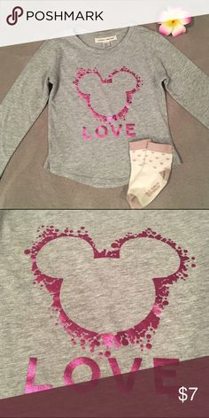 babyGAP+Junk Food Disney Mickey Love L/S Graphic T babyGAP+Junk Food Mickey Mouse Love Long Sleeve Graphic Tee Size 5 yrs. (100% Cotton)  + FREE Old Navy Cream/Mauve Heart Socks (4T/5T)  • Both Items Gently Loved • GAP Shirts & Tops Tees - Long Sleeve