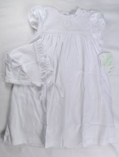 Kissy Kissy Classic Baby Preemie Embroidered Short Sleeve Gown and Hat - fits up to 7 lbs
