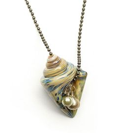 Naomi knows: Shell beads and findings | BeadStyleMag.com