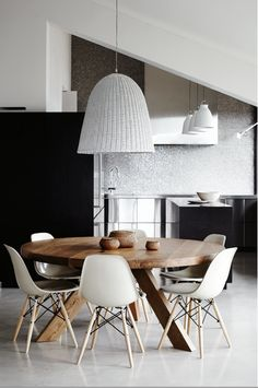 Effect creation: Middle-age style dining. eames chair with restoration hardwarish style round dining table and white ikea-ish style ceiling light. Dining Room Table, Dining Area, Dining Chairs, Eames Chairs, Kitchen Dining, Eames Dining, Kitchen Chairs, Dinning Table Design, Banquette Dining