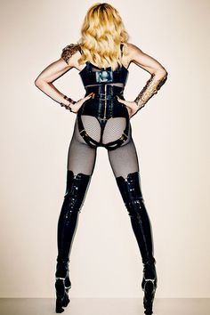 Madonna - Harper's Bazaar - November 2013 - photo by Terry Richardson. Terry Richardson, Harpers Bazaar, Marilyn Monroe, Divas, Madonna Looks, Madonna Fashion, Image Mode, Madonna Photos, Madonna Mode