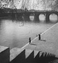 Paris, 1948. Photo: Edouard Boubat.