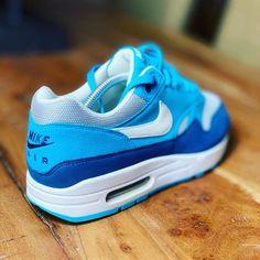 Air Max 1, Nike Air Max, Casual Sneakers, Air Max Sneakers, Sneakers Nike, Nike Air Shoes, Nike Shoes Outlet, Air Jordan 3, Vintage Sneakers