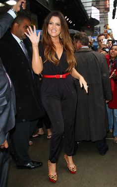 Love the jumpsuit. Love the shoes. Minus the cameltoe, this is adorable ;)
