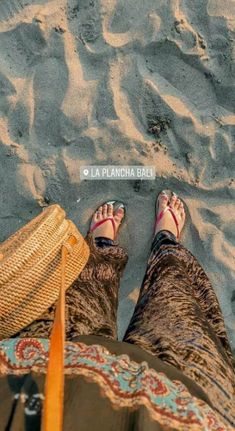 New travel photography wallpaper pictures Ideas Travel Pictures Poses, Beach Pictures, Girl Pictures, Tumblr Photography, Amazing Photography, Travel Photography, Photography Ideas, Best Travel Clothes, Auryn